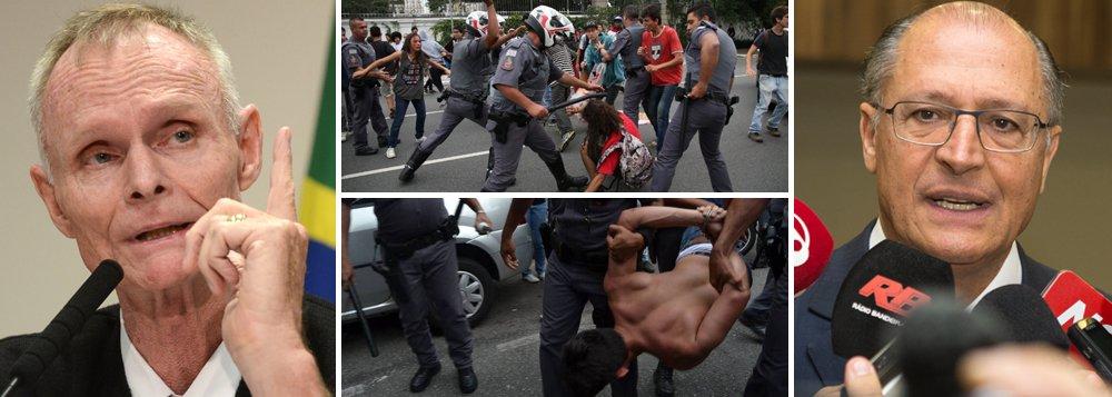 """'Reorganização educacional' que enfrentou forte resistência dos estudantes e descambou em violência da Polícia Militar paulista contra os alunos fez mais uma vítima: o secretário de Educação,Herman Voorwald, que chegou a dizer que tinha vergonha da Educação estadual; anúncio do adiamento da reforma, que não será mais realizada em 2016, foi feito nesta tarde pelogovernador Geraldo Alckmin (PSDB);estudantes, porém, classificam a suspensão como """"manobra"""", apenas para """"enfraquecer"""" o movimento de ocupação das escolas; eles só deixarão o local quando a medida for revogada pelo tucano;professores fazem assembleia para discutir ações; após decisão de Alckmin, sua imagem saiu fortemente abalada e sua reprovação atingiu níveis recordes"""