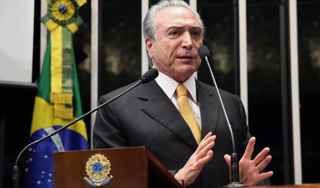 """Sem votos, vice Michel Temer (PMDB) só chegaria à Presidência por meio de um golpe contra a titular Dilma Rousseff (PT); segundo o instituto Paraná Pesquisas, o peemedebista é o """"lanterna"""" na maioria dos estados sondados na corrida presidencial; em Mato Grosso do Sul e no Pará, Temer tem 1%; em Pernambuco, 0,8%; melhor marca do vice é no Rio, com 2% das intenções de voto"""