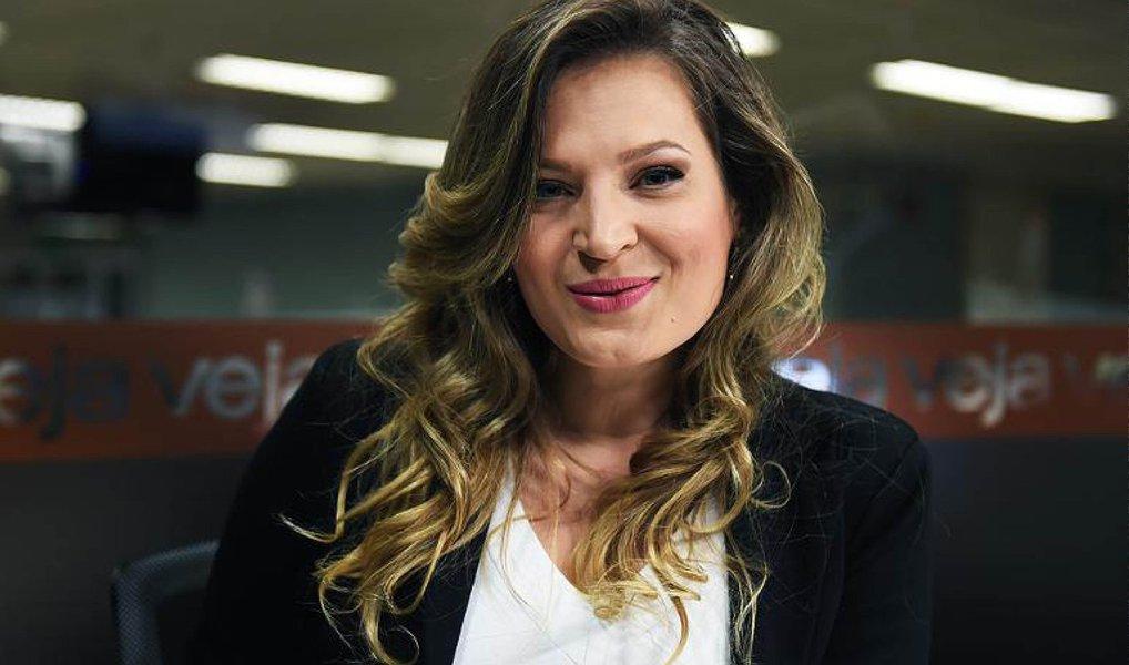 A jornalista e apresentadora do TVeja, canal de vídeos do site da Veja, Joice Hasselmann, foi desligada de suas funções; Joice foi denunciada por 65 plágios de veículos como Gazeta do Povo, Bem Paraná e G1 pelo Conselho de Ética do Sindicato dos Jornalistas do Paraná (Sindijor-PR), que comprovou a cópia dos conteúdos