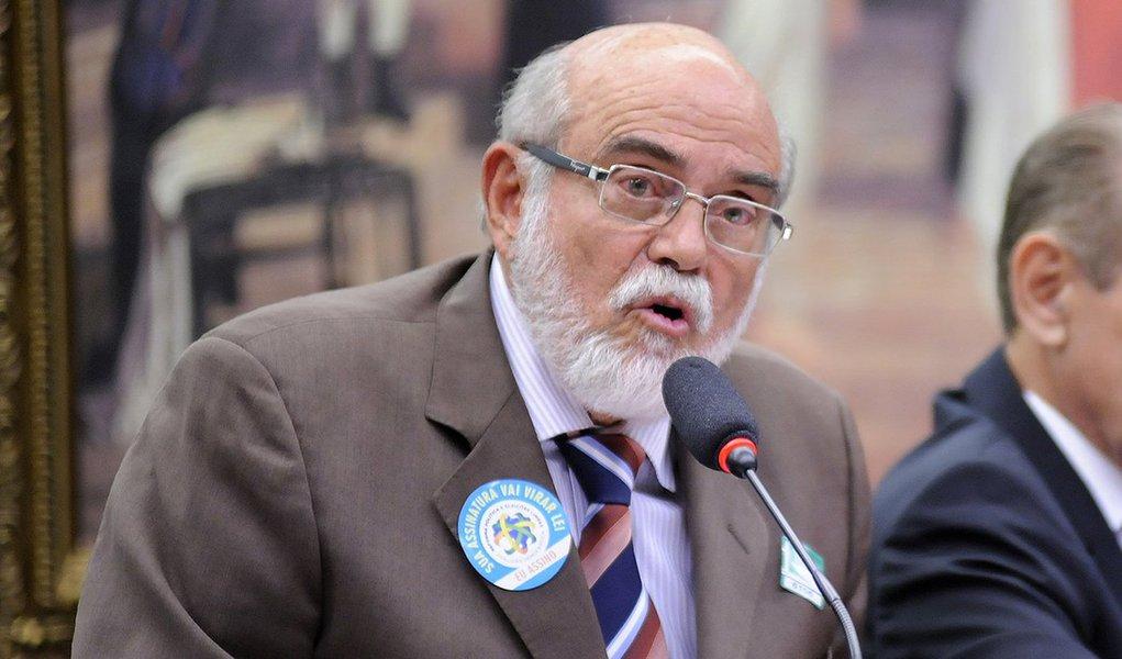 Em entrevista, jurista Marcello Lavenère reforçou que a presidenta Dilma não cometeu nenhum ato ilícito. Além disso, ele disse que há um pré-julgamento da situação