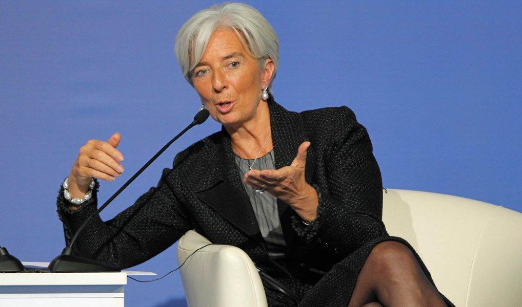 """Diretora-gerente do Fundo Monetário Internacional (FMI), Christine Lagarde, afirmou que riscos ao crescimento da economia global aumentaram, impulsionados em parte pela expansão mais lenta da China; """"Os riscos são maiores do que eram"""", disse Lagarde"""