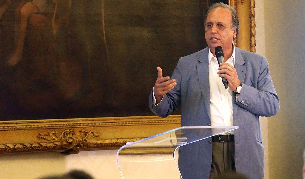 10-09-2015; Rio de Janeiro; Governador Luiz Fernando Pezão no lançamento do Programa de Educação em Tempo Integral; Foto: Shana Reis