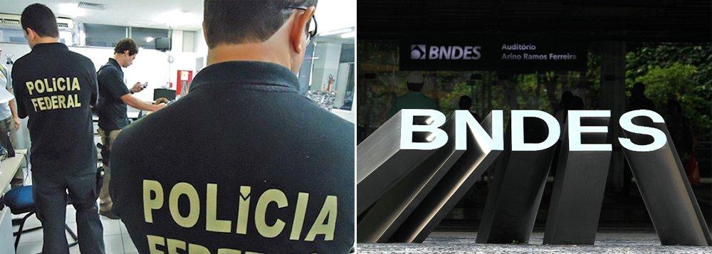 Não se trata de cumprimento de mandado de busca e apreensão na sede do BNDES no Rio de Janeiro; os policiais pedirão à presidência do banco cópias de contratos que estão sob investigação na nova fase da Operação Lava Jato, chamada Passe Livre; como foi feito com a Petrobras no início da operação, agentes da PF tentam acordo para que a instituição colabore com as investigações e entregue os documentos solicitados; um mandado pode ser deferido pelo juiz Sérgio Moro caso haja resistência; o BNDES já é alvo de uma CPI na Câmara dos Deputados