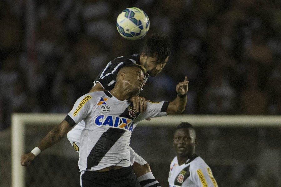 O Vasco joga no próximo domingo, às 17h (de Brasília), contra oCoritibano Estádio Couto Pereira; Para permanecer na Série Ao time carioca precisa vencer seu jogo e ainda torcer para que oAvaíe oFigueirensenão alcancem a vitória contraCorinthianse Fluminense, respectivamente