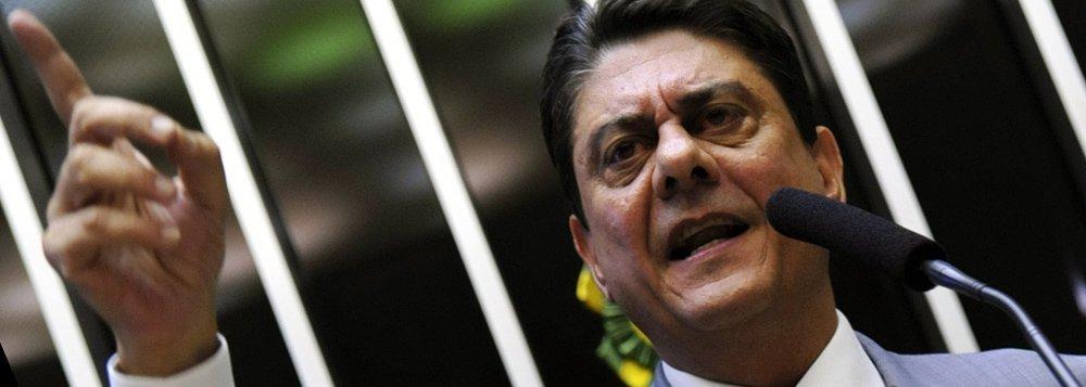 """Deputado federal Wadih Damous (PT-RJ) tornou-se uma espécie de coordenador jurídico da bancada do PT no enfrentamento das CPIs e agora do processo de impeachment tentado pela oposição; em entrevista ao 247 ele avisa: """"Vamos para a guerra do impeachment. A guerra jurídica, a guerra política e a guerra nas ruas""""; o petista afirma ainda que o impeachment de Dilma é """"uma meta pessoal"""" do presidente da Câmara, Eduardo Cunha; o deputado, que já presidiu a OAB no Rio diz que o """"manual do golpe"""" usado pela oposição e apoiado por Cunha é """"inconstitucional"""", porque calcado no regimento da Câmara e não na lei específica do impeachment, como pede a Carta de 1988, em algum momento deve ser objeto de questionamento junto ao Supremo"""