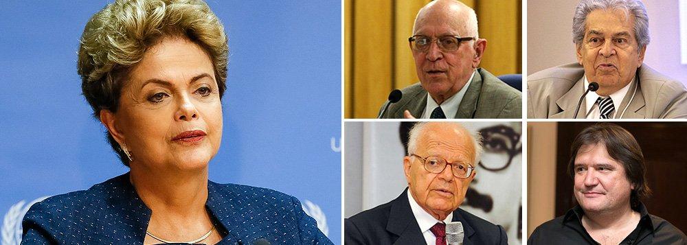 Dalmo Dallari, Fábio Konder Comparato, Celso Antonio Bandeira de Mello e Pedro Estevam Serrano defendem a tese de que ela não pode ser responsabilizada por atos cometidos antes de assumir o mandato; em conversa recente, o ex-presidente Lula e o ex-ministro Nelson Jobim, da Defesa, também avaliaram que o impeachment ainda é improvável por não haver fundamento jurídico; o tucano Geraldo Alckmin seria aliado oculto do governo, já que a antecipação das eleições favoreceria Aécio Neves