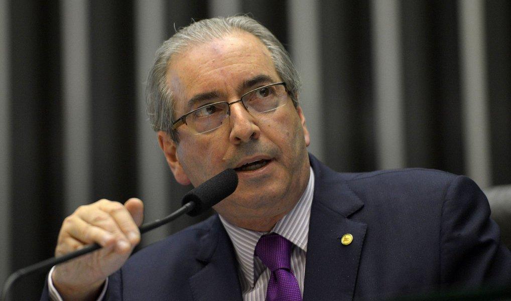 """O presidente da Câmara dos Deputados, Eduardo Cunha (PMDB-RJ), disse nesta segunda (14) que, mesmo que o Supremo Tribunal Federal (STF) anule a votação secreta que elegeu a comissão especial do impeachment, dificilmente o resultado mudará caso seja refeita com voto aberto; """"Eu não vejo nenhuma possibilidade. Acho que não mudará, acho que permanecerá esse"""", disse Cunha"""