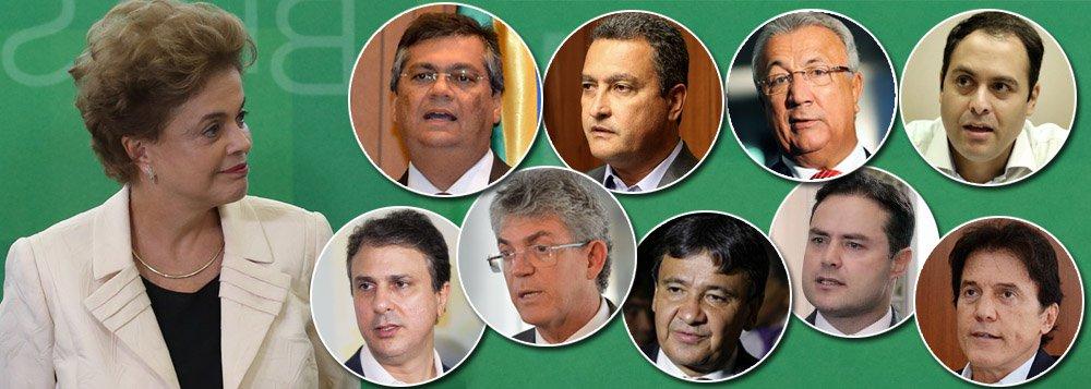 """Diante da decisão do presidente da Câmara, Eduardo Cunha (PMDB-RJ), de abrir o processo de impeachment contra a presidente Dilma Rousseff, os governadores do Nordeste Robinson Farias (PSD-RN), Flavio Dino (PCdoB-MA), Ricardo Coutinho (PSB-PB), Camilo Santana (PT-Ceará), Rui Costa (PT-BA), Wellington Dias (PT-PI), Jackson Barreto (PMDB-SE) e Renan Filho (PMDB-AL) divulgam nota em que """"manifestam seu repúdio a essa absurda tentativa de jogar a Nação em tumultos derivados de um indesejado retrocesso institucional""""; texto lembra que """"a decisão de abrir o tal processo de impeachment decorreu de propósitos puramente pessoais, em claro e evidente desvio de finalidade"""""""