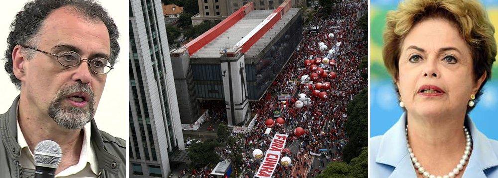 É preciso avisar tod@s @s brasileir@s de que:O pedido de impeachment da presidenta Dilma Rousseff não tem NADA A VER com a Operação Lava Jato, nem com qualquer outra iniciativa de combate à corrupção.Quem lidera a campanha pelo impeachment é o PSDB, partido oposicionista DERROTADO nas eleições presidenciais de 2014