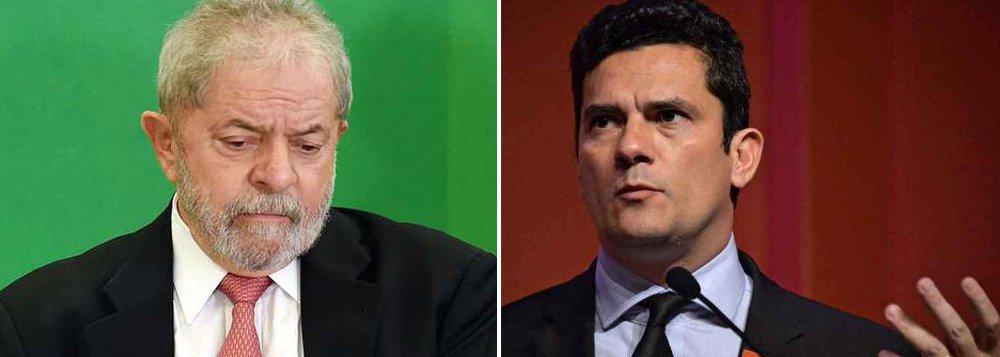Segundo o Valor, ontem, a força-tarefa da Lava Jato cogitava denunciar o ex-presidente Lula por corrupção, lavagem de dinheiro e ocultação de patrimônio, em acusação apresentada ao juiz Sergio Moro; por determinação do ministro Teori Zavascki, do Supremo Tribunal Federal (STF), as investigações que envolvem Lula e as conversas telefônicas captadas pela Polícia Federal (PF) voltaram para a Corte