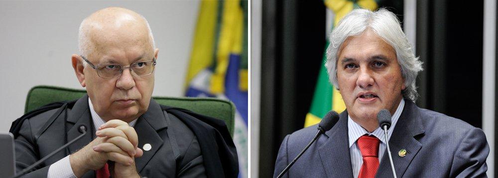 Delação premiada do senador Delcídio Amaral (PT-MS), que foi preso na Operação Lava Jato, foi homologada nesta terça-feira 15 pelo ministro Teori Zavascki, do Supremo Tribunal Federal; em seus depoimentos, o ex-líder do governo fez citações à presidente Dilma Rousseff, ao ex-presidente Lula, ao presidente do PSDB, senador Aécio Neves (MG), ao vice-presidente, Michel Temer, e outros senadores; delação foi vazada à imprensa antes da homologação e um dia antes da deflagração da 24ª fase da Operação Lava Jato, que realizou a condução coercitiva de Lula