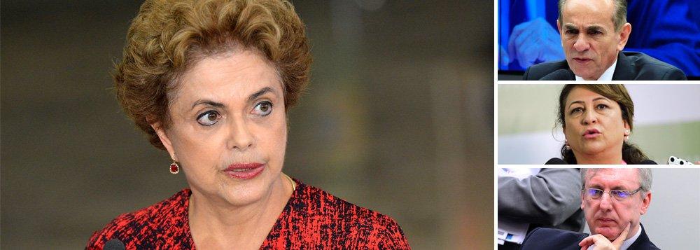 Dos sete ministros que representam o PMDB no governo Dilma Rousseff, três resistem à ideia de se exonerar dos respectivos cargos. Marcelo Castro (Saúde), Celso Pansera (Ciência e Tecnologia) e Kátia Abreu (Agricultura); Kátia inclusive cogita trocar o PMDB pelo PSD para ficar no cargo; Pansera esteve nesta segunda-feira no Palácio do Jaburu e comunicou a Michel Temer sua pretensão de permanecer ao lado de Dilma; tanto ele quanto os demais que resistirem, pode sofrer processo de expulsão; Henrique Alves, do Turismo, já entregou o cargo nessa segunda