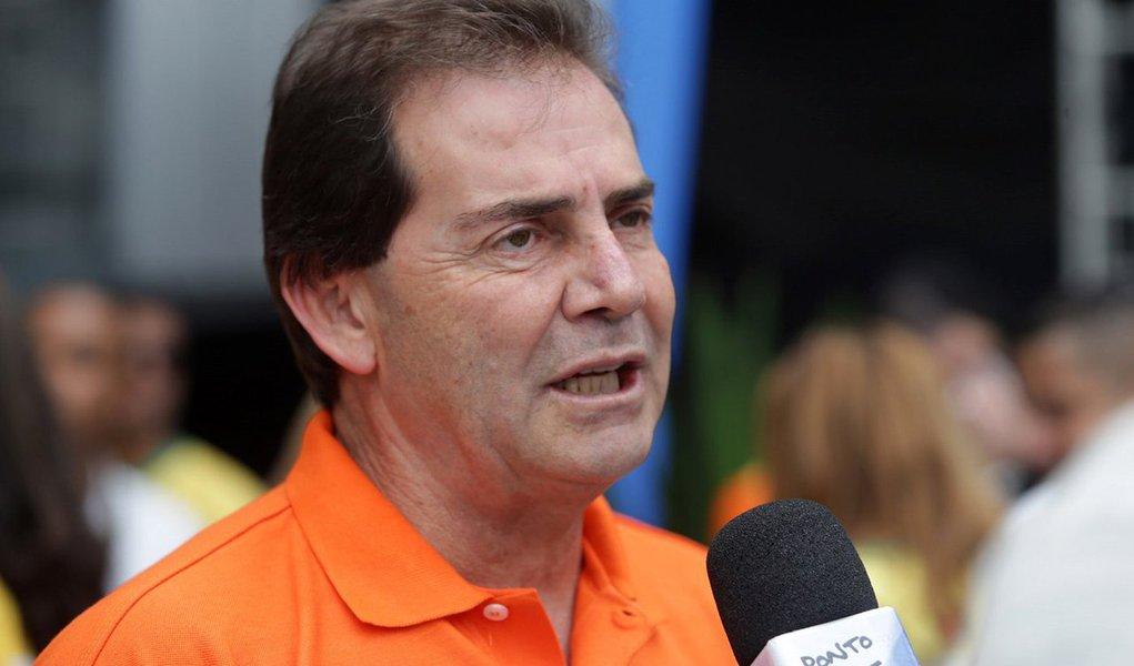 """Ao contrário da oposição, que planeja novos protestos para 13 de março –após a data prevista para a votação do impeachment na Câmara–, o deputado Paulo Pereira da Silva (SDD-SP) quer atos em 17 de janeiro para apelidar a manifestação de """"a marcha do 171″, segundo a colunista Natuza Nery; ele é o principal aliado do presidente da Câmara, Eduardo Cunha (PMDB)"""