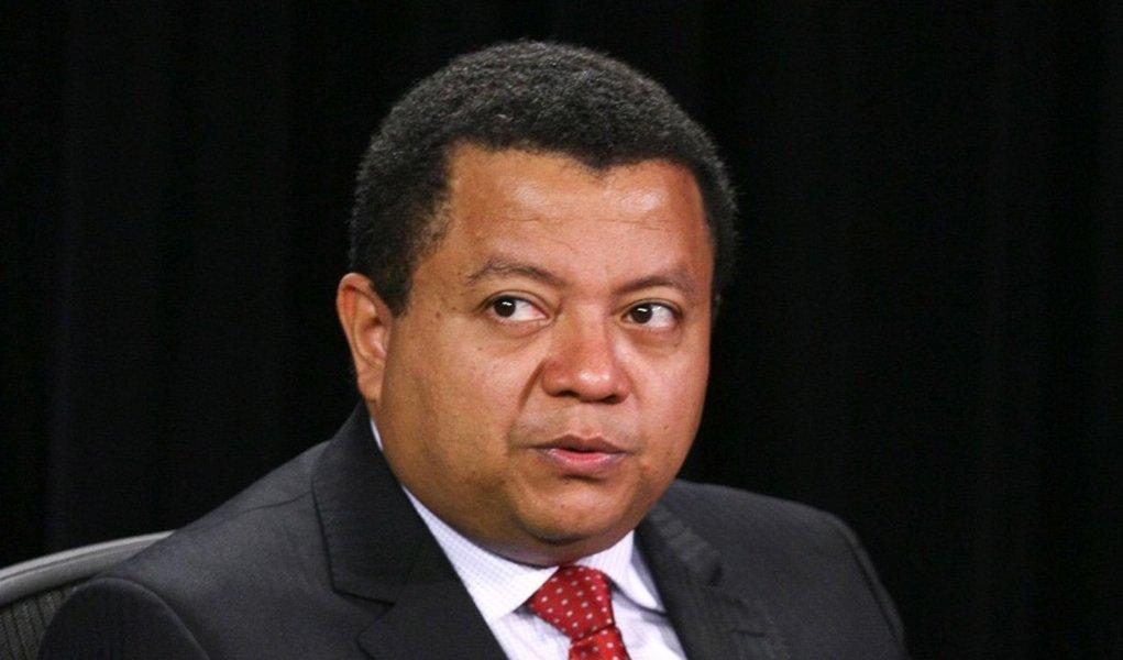 """Juiz maranhense Márlon Reis considera incabível o impeachment da presidente Dilma Rousseff """"porque se baseia numa falha administrativa, que apesar de considerável, jamais poderia autorizar a destituição da titular do mais alto cargo da estrutura da República""""; segundo ele, a melhor solução é o julgamento da chapa de Dilma e Temer pelo Tribunal Superior Eleitoral, não importando o resultado"""
