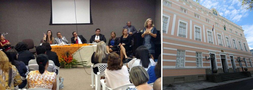 Durante discussão sobre o Plano Estadual de Educação, no auditório da Assembleia Legislativa Estadual de Alagoas (ALE), os deputados anunciaram que a matéria será levada a plenário para votação no próximo dia 15 de dezembro; o plano já passou pela Comissão de Constituição e Justiça, onde recebeu emendas e agora está na Comissão de Educação