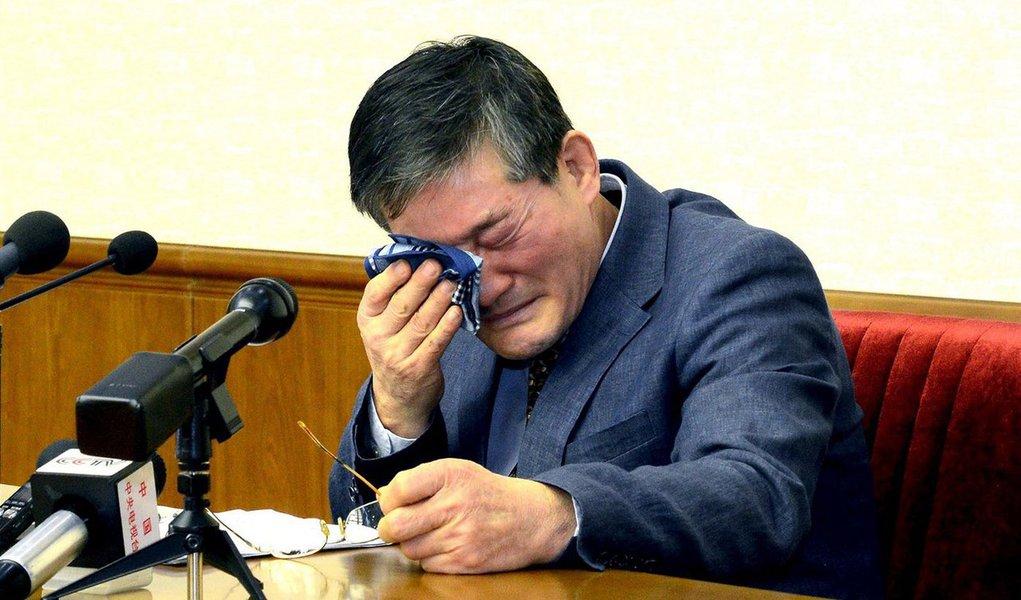 """Suprema Corte da Coreia do Norte condenou um cidadão sul-coreano com nacionalidade também norte-americana a 10 anos de trabalhos forçados nesta sexta-feira por subversão, na condenação mais recente de um estrangeiro por crimes contra o país comunista;Kim Dong Chul, de 62 anos, foi preso em outubro e admitiu ter cometido """"espionagem imperdoável"""", incluindo o roubo de segredos militares"""