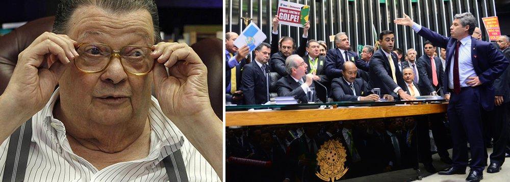 """Ex-ministro Delfim Netto atribui a """"defeitos graves do nosso sistema eleitoral"""" o """"lamentável espetáculo televisivo do último dia 17 de abril"""", na votação que aprovou a abertura do processo de impeachment de Dilma Rousseff na Câmara: """"Era difícil acreditar no que se via. Mais difícil ainda, reconhecer que cada um de nós era responsável por ter entregue à Câmara algum daqueles senhores"""", disse ele, sugerindo mudanças nas próximas eleições"""