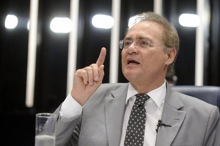 """A história do impeachment do ex-presidente Fernando Collor mostra que o presidente do Senado, Renan Calheiros, """"está certo"""" ao afirmar ao STF que é o Senado quem decide sobre o impeachment da presidente Dilma Rousseff, não a Câmara, afirma Tereza Cruvinel, colunista do 247; """"A interpretação contrária, de que o afastamento decorre da votação na Câmara, só reforça a narrativa de que se tenta um golpe parlamentar"""", diz a jornalista; ela resgata a cronologia do processo de impeachment de 1992 e reforça: """"Esta cronologia não deixa dúvidas. A Câmara autorizou o processo, o Senado decidiu instaurá-lo e afastou Collor. Poderia também ter decidido não lhe dar prosseguimento, como sustenta Renan"""""""