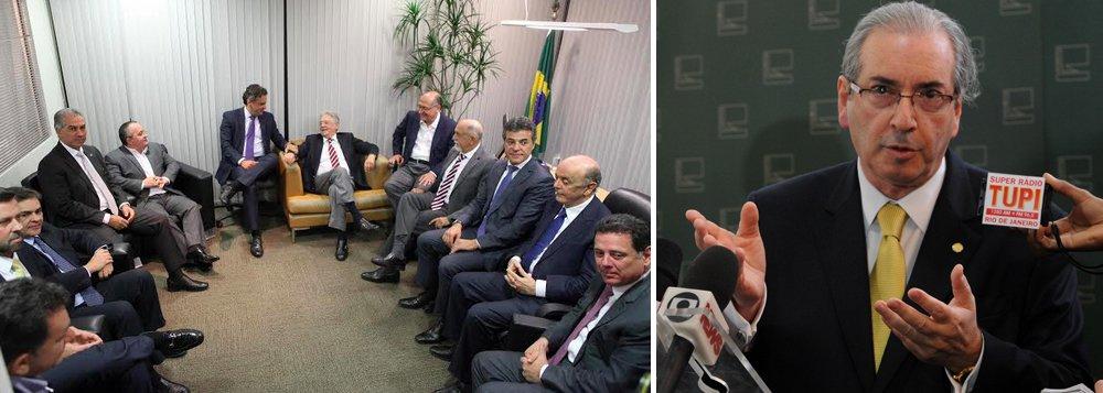 """""""Até por ordem cronológica dos acontecimentos, Cunha deveria ser afastado antes do que Dilma e, no entanto, o próprio Fernando Henrique esquece de Cunha e engrossa o coro dos insensatos que querem a cabeça da presidente. Nenhuma palavra contra Cunha, todas as pedras na Geni"""", critica Alex Solnik, em novo artigo no 247; ele destaca as vantagens que o presidente da Câmara, alvo no STF por corrupção, terá com o impeachment da presidente Dilma - como a possibilidade de ganhar fôlego no cargo caso o vice Michel Temer assuma - e avalia: """"Tendo a constatar que um homem de alto QI, tal como Fernando Henrique, sabe perfeitamente de tudo isso e, no entanto, não pede o impeachment de Cunha, pede o impeachment de Dilma"""""""