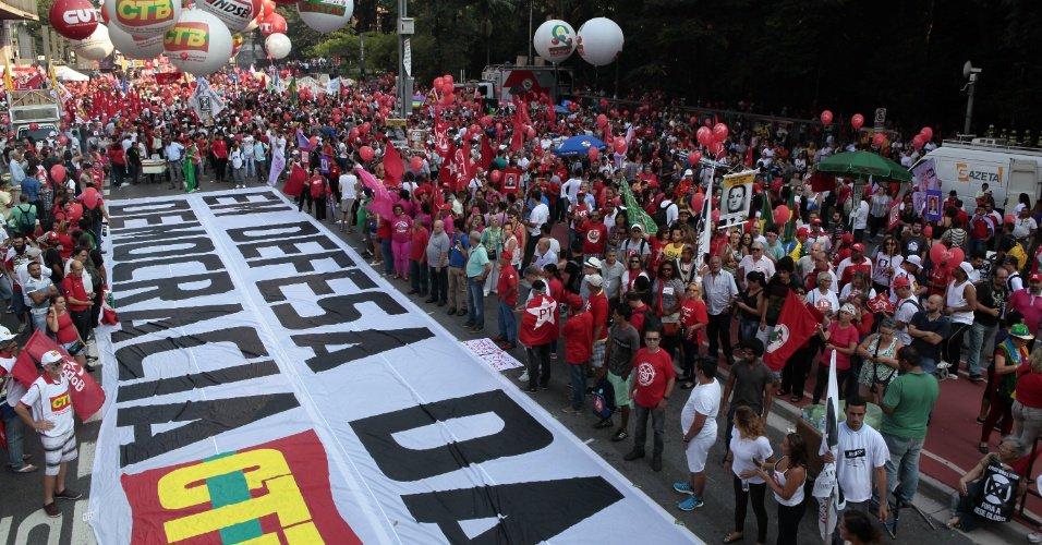 Foi em paz que milhares de brasileiros mostraram que não aceitarão rupturas institucionais ou se intimidarão frente a onda fascista que pretende derrubar um governo legitimamente eleito pela maioria