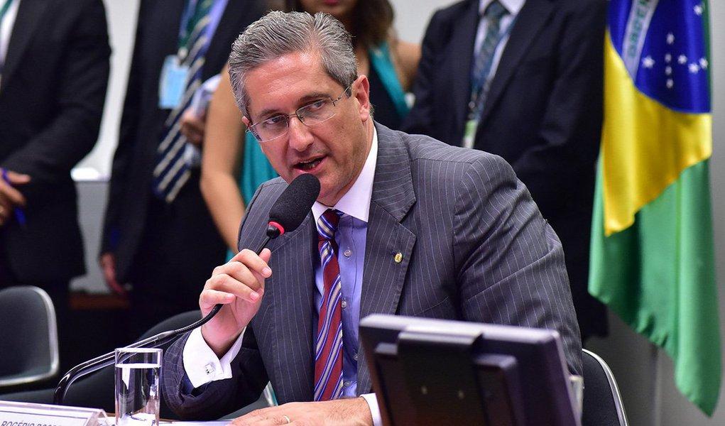 """Presidente da comissão do processo de impeachment da presidente Dilma Rousseff, Rogério Rosso (PSD-DF), disse nesta sexta-feira 18 que o colegiado pode concluir os trabalhos em até 30 dias; """"Dada a complexidade do tempo, a necessidade de respeitar a Constituição e ser o mais preciso possível para trazer ao plenário da Câmara um relatório substanciado em fatos, a ideia é fazer o maior número de reuniões"""", explicou"""