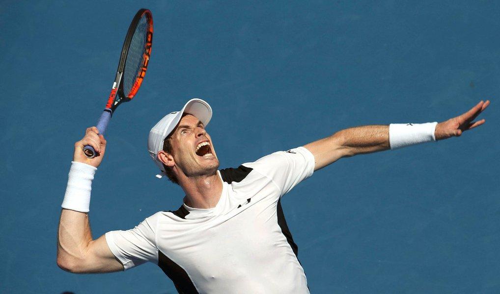 tenista britânico Andy Murray avançou nesta segunda-feira para as quartas de final do Aberto da Austrália após vencer em três sets o australiano Bernard Tomic, em uma jornada em que o suíço Stanislas Wawrinka, ganhador do torneio de 2014, foi surpreendentemente eliminado