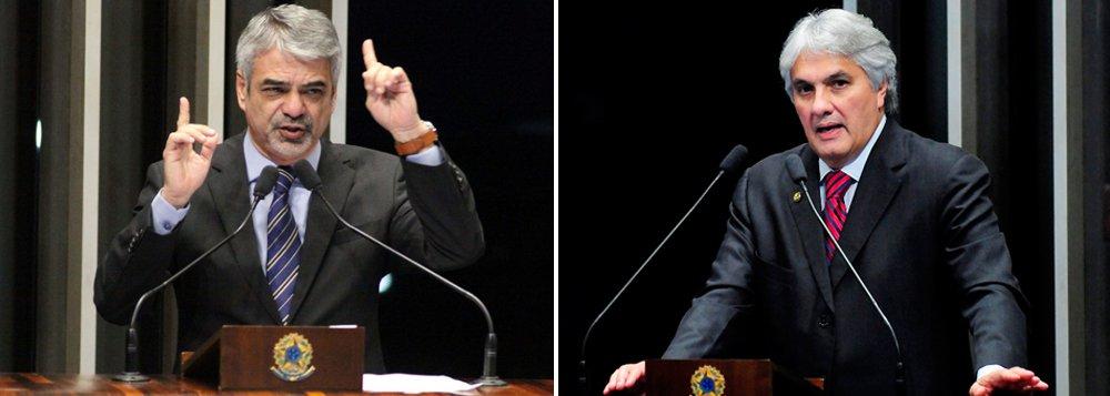 """De acordo com o líder do partido, Humberto Costa (PE), """"há uma tendência de reconhecer que houve indícios de quebra de decoro parlamentar por parte do senador Delcídio do Amaral (PT-MS)""""; em relação a supostos conflitos entre a posição dos senadores e a manifestada pelo partido, Costa disse que a posição da bancada não conflita com a do partido: """"se houver algum tipo de investigação aqui no Senado, há uma tendência de reconhecer que houve indícios de quebra de decoro. Obviamente, que isso tem que acontecer com plena defesa e sem nenhum prejulgamento, mas senti que há esse sentimento"""""""