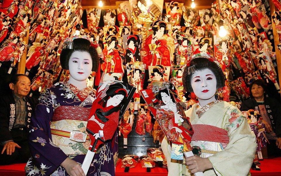 Uma coleção de momentos audiovisuais captados durante uma viagem de 3 semanas ao Japão. Eles foram transformados em vídeo por Vincent Urban. Um show de edição que não apenas mostra a mistura de moderno e tradicional no Japão, mas também aponta o futuro da técnica do vídeo.