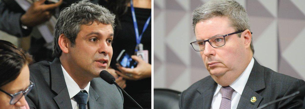 Senador Lindbergh Farias (PT-RJ) apresentou questão de ordemquestionando o fato de Antonio Anastasia (PSDB-MG) ser o relator da comissão;segundo o petista, Anastasia não é um relator imparcial, pois é tucano e fez as mesmas manobras de que a presidente Dilma é acusada quando governou Minas Gerais;questão de ordem foi indeferida e causou tumulto na sessão; antes, a senadora Gleisi Hoffmann (PT-PR) questionouo fato de ontem, durante a exposição de especialistas contrários ao impeachment, Anastasia ter se ausentado para escrever seu voto