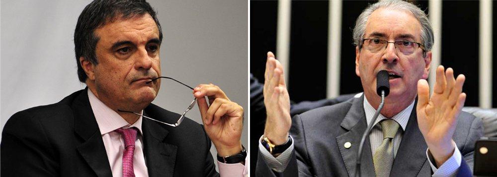 """Ministro da Justiça, José Eduardo Cardozo, reforçou a autonomia da Polícia Federal (PF) ao investigar políticos em escândalos de corrupção: """"Está se investigando tudo e todos que precisam ser investigados. Pouco importa o partido. Pouco importa se pertence ao PT, ao PMDB ou à oposição. Todos têm que ser investigados. Não há ninguém que está acima da lei, embora algumas pessoas se julguem acima dela""""; mais cedo, o presidente da Câmara, alvo da Lava Jato,acusou o governo de """"buscar o revanchismo"""""""