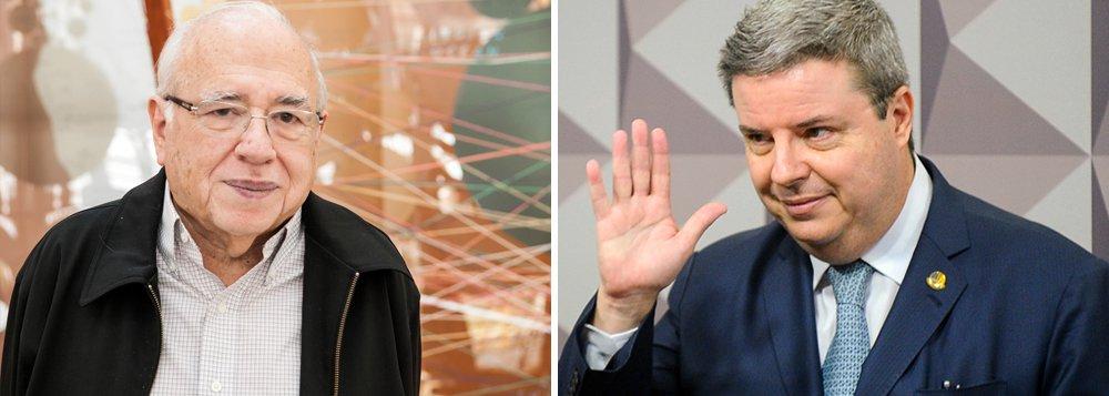 """""""No Senado, onde julgam a Dilma, continua o seminário sobre como ser eleito sem precisar de votos. No julgamento, todos os membros do júri já tinham seu veredito pronto antes de começar. O que certamente apressou a pantomima"""", disse o escritor Fernando Verissimo; indicado pelo PSDB para relatar a admissibilidade do impeachment no Senado, o senador Antonio Anastasia (PSDB-MG), braço direito do tucano Aécio Neves, apresentou ontem um parecer sem surpresas a favor do golpe"""