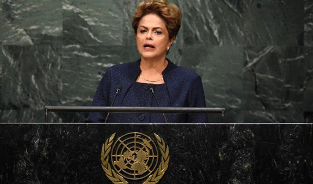 Denunciar o golpe ao Brasil e ao mundo é um dever cívico de todo e qualquer brasileiro que não tenha sido hipnotizado pela Globo e por seus penduricalhos, e que não seja um dos covardes irresponsáveis que estão se omitindo em momento tão dramático