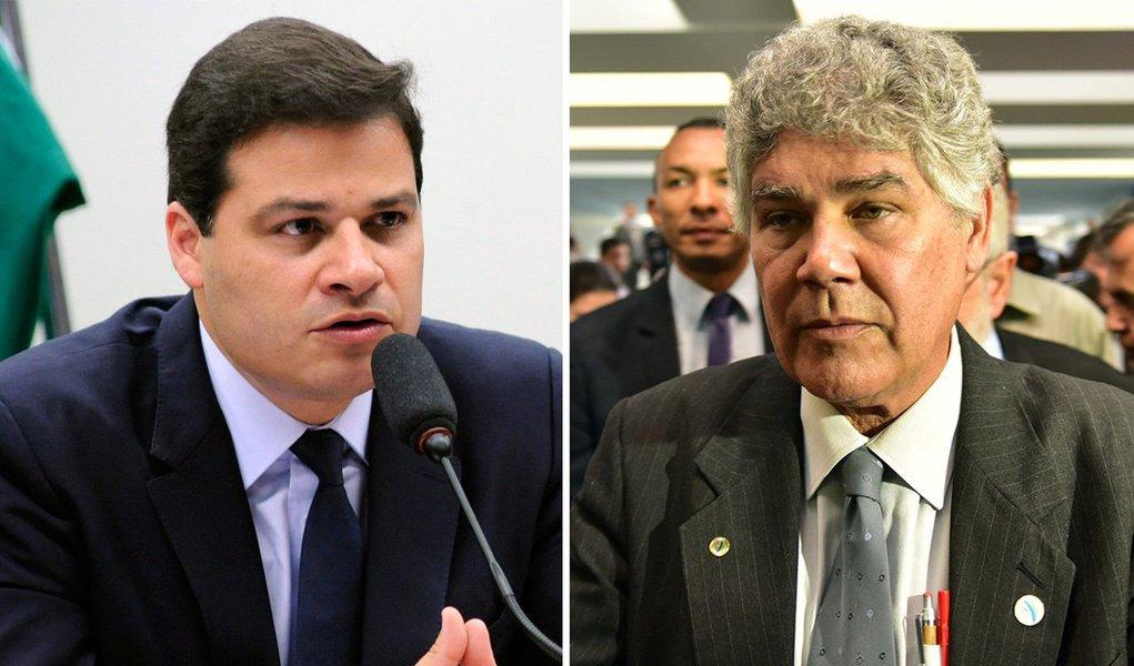 """Deputado Sandro Alex (PPS-PR) protocolou nesta quinta-feira 26, no Conselho de Ética, o parecer preliminar do processo contra o deputado Chico Alencar (PSOL-RJ) pedindo o arquivamento da representação; """"Me ative aos autos do processo. Não trouxe o ambiente externo"""", comentou o relator; pedido de cassação foi apresentado pelodeputado Paulo Pereira da Silva (SD-SP), aliado de Eduardo Cunha (PMDB-RJ);Chico Alencar afirma ser vingança por sua representação contra o presidente da Câmara"""