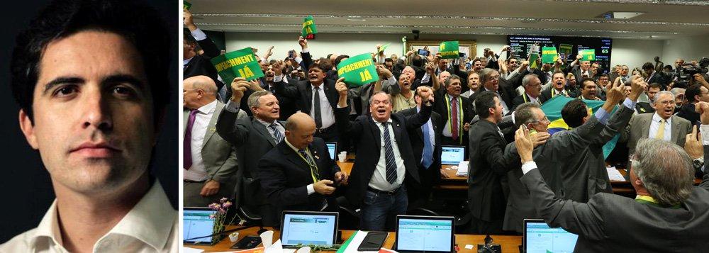 """""""Na hora mais dramática da crise, Dilma parece preocupada em deixar sua versão para os livros. Sua narrativa poderá prevalecer no futuro, mas tem poucas chances de influenciar os fatos de hoje a domingo.Os deputados que decidirão o impeachment têm inquietações mais presentes. Entre elas, o medo das prisões da Lava Jato e a disputa por verbas e cargos a partir de segunda-feira, seja quem for o presidente"""", afirma o colunista Bernardo Mello Franco"""