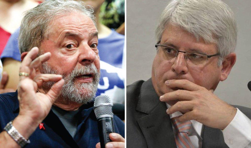 Ao misturar dados e fatos, ele insere Lula na Lava Jato sem sê-lo parte, posto que o que há de citação é o sitio e o triplex - onde uma coisa nada tem a ver com a outra, mas acaba colocando no mesmo saco ministros do atual e governo anterior como a intuir o conceito de quadrilha