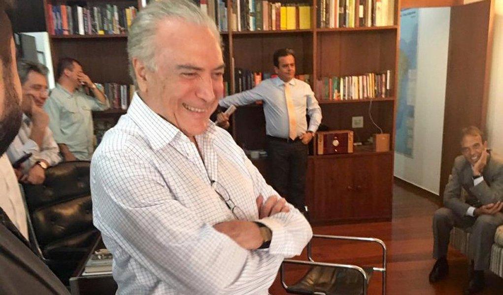 Ficou claro que o vice-presidente Michel Temer conseguiu se afirmar como lider de confiança absoluta do grande esquema montado com aval da Oposição, do Capital nacional e estrangeiro e, sob a batuta do presidente da Câmara, Eduardo Cunha