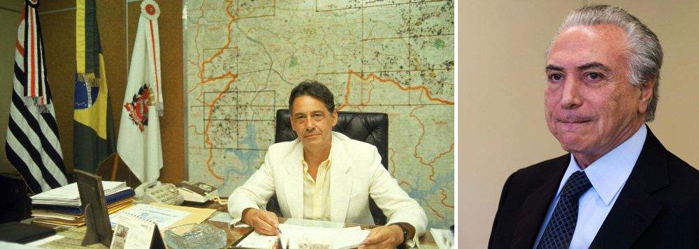 """Para o colunista Bernardo Mello Franco, a gravação deixa claro que o vice Michel Temer não só pede votos pelo impeachment, como já ensaiou um discurso contra """"herança maldita"""" do governo Dilma; """"afobação fez lembrar a ansiedade de Fernando Henrique Cardoso na eleição de 1985. Na véspera do pleito, o então candidato do PMDB posou para fotos na cadeira de prefeito de São Paulo. Faltou esperar as urnas"""", disse"""