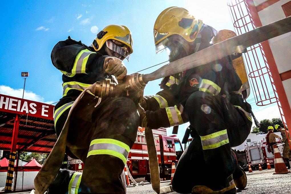 O Corpo de Bombeiros Militar de Goiás prevê aumento significativo do número de atendimentos e programas para 2017; importantes conquistas foram alcançadas em 2016, como aquisição de equipamentos, materiais operacionais e veículos de combate a incêndio, além da construção e ampliação de unidades em diversos municípios goianos; em 2016, o CBMGO realizou 71.701 atendimentos de resgate, 4.089 relativos a incêndios urbanos, 11.042 de busca e salvamento, 7.099 combates a incêndios florestais e outras 921 ocorrências diversas