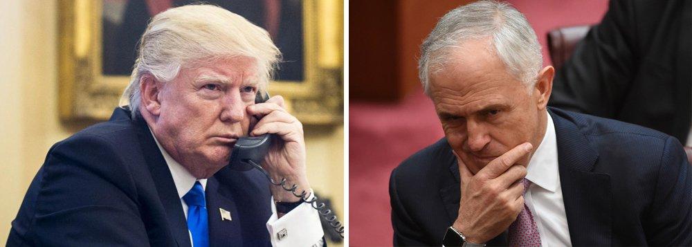 """Presidente dos Estados Unidos, Donald Trump, classificou um acordo de troca de refugiados com a Austrália de """"idiota"""" durante conversa telefônica ríspida com o primeiro-ministro australiano, ameaçando criar uma rixa incomum entre os dois aliados próximos; Trump descreveu o plano de reassentamento com a Austrália como """"o pior acordo da história"""" e acusou a Austrália de tentar exportar autores de ataques a bomba como o de Boston; telefonema deveria ter durado uma hora, mas durou apenas 25 e foi encerrado quando Trump desligou o aparelho abruptamente"""