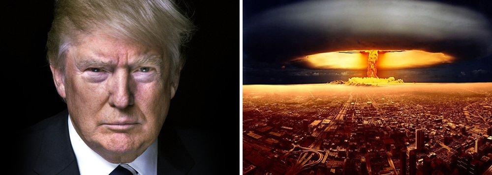 """Congresso norte-americano apresentou projeto de lei intitulado """"restrição de uso primordial de bomba nuclear"""" que deve reduzir o risco de conflito com outros países; """"Essa lei vai proibir iniciativa de Trump de realizar ataque nuclear primordial sem declaração de guerra pelo Congresso. O problema de 'uso preventivo' tornou-se criticamente importante agora que o presidente, Donald Trump, tem direito de iniciar uma guerra nuclear a qualquer momento"""" disse o senador do partido Democrata, Edward Markey; Trump já mencionou repetidamente essa possibilidade para combater o terrorismo"""
