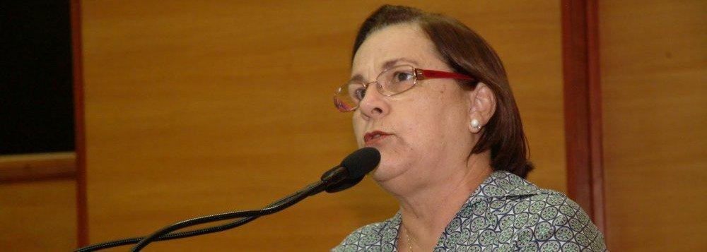 """A vice-presidente do PT, deputada estadual Ana Lúcia Menezes, afirmou ao 247 que é contrária a manutenção da aliança entre o seu partido e o PMDB em Sergipe; """"Não podemos ficar com aliados que nos traíram"""", disse; para ela, faltou empenho do governador Jackson Barreto (PMDB) na luta contra o impeachment da presidente Dilma Rousseff (PT); """"Não podemos ficar com aliados que nos traíram. O governador Jackson Barreto foi o único governador que não conseguiu reverter nenhum voto"""", frisou; ela se disse contrária a uma aliança entre PT e PMDB em apoio à pré-candidatura de Zezinho Sobral a prefeito de Aracaju"""