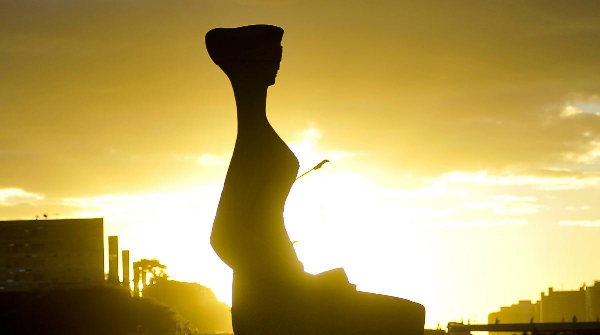 Novo protagonismo do Poder Judiciário está longe de valorizar a máxima representada pelo dura lex, sed lex, por tristemente ter permitido um retrocesso em todas as dimensões da vida humana associada e, com isso, faz jus ao que os críticos estrangeiros dizem– a Justiça brasileira é primitiva!