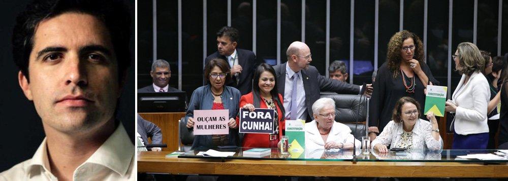"""Colunista Bernardo Mello Franco cobra o afastamento de Eduardo Cunha da presidência da Câmara; ele ressalta as manobras do peemedebista no processo de impeachment de Dilma Rousseff e elogia a deputada Luiza Erundina, do PSOL, que se sentou por alguns minutos na cadeira que ele não deveria mais ocupar: """"Aos 81 anos, a paraibana deu uma lição aos ministros do Supremo que continuam de braços cruzados"""""""