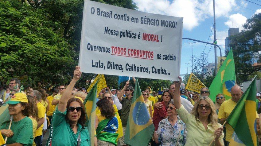 Parece que tirar Dilma, prender Lula e acabar com PT solucionaria tudo, seguraria inclusive o ímpeto da Lava Jato. Necessidade para que alguns políticos se salvem e, com discrição, cumpram o papel que a imprensa e a elite deles querem