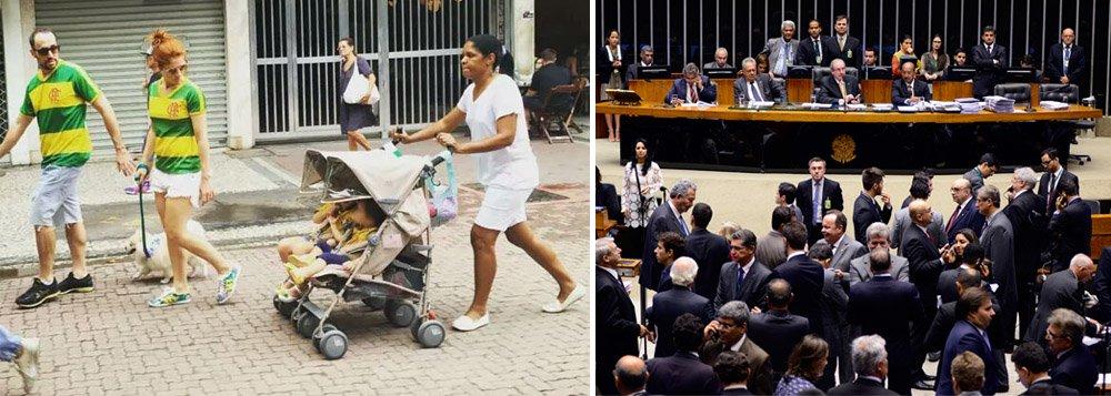"""Protagonista da foto que viralizou durante as manifestações contra a corrupção e a presidente Dilma Rousseff, a babá Maria Angélica Lima não viu problema em estar a trabalho no dia das manifestações e diz que a solução não passa só por tirar a presidente Dilma Rousseff; """"A solução do Brasil começa por mudar o Congresso todo"""", afirma. """"A presidente Dilma saindo, quem entrar vai continuar roubando. O Brasil é assim. Quem está com dinheiro, como os políticos, vai continuar tudo bem. A gente que vai sempre levar a pior"""", afirma"""