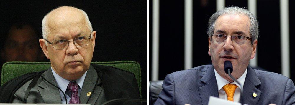"""Ministro do Supremo Tribunal Federal (STF) e relator da Lava Jato, Teori Zavascki, negou pedido feito pelo presidente da Câmara para que o inquérito que investiga a existência de contas secretas em seu nome mantidas no exteriortranscorresse em sigilo de Justiça; """"A hipótese dos autos não se enquadra em qualquer das situações em que se imponha reserva à cláusula de publicidade"""", disse Zavascki"""