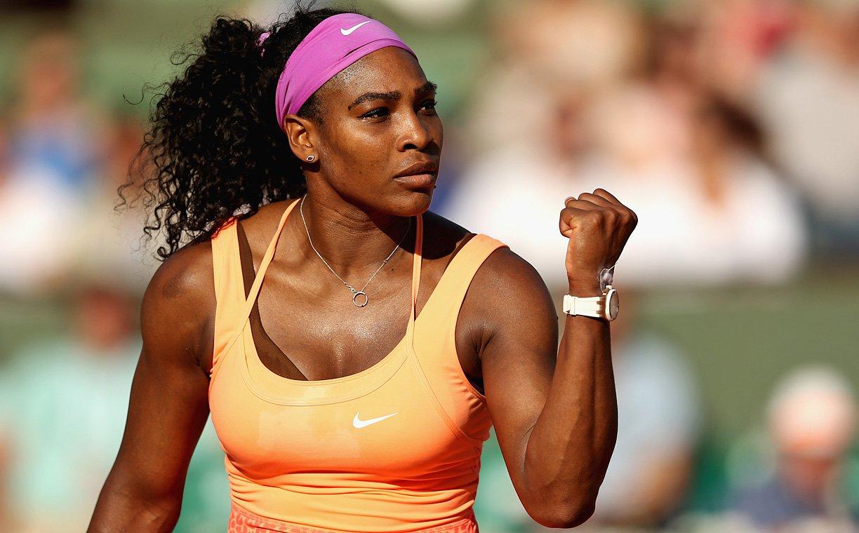 """""""Serena se impôs não somente como a maior tenista de sua geração, mas de todos os tempos, e após a sequência de apresentações que fez em 2015 é uma das atletas mais impotentes em atuação hoje"""", afirmou Paul Fichtenbaum, editor de grupo da Sports Illustrated"""
