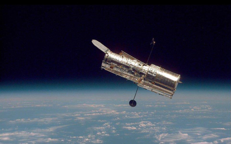 Neste domingo, 24 de abril, o telescópio espacial Hubble apagará 26 velinhas. Para festejar, seus criadores escolheram a imagem tira-fôlego de uma nebulosa esférica situada a 8 mil anos luz