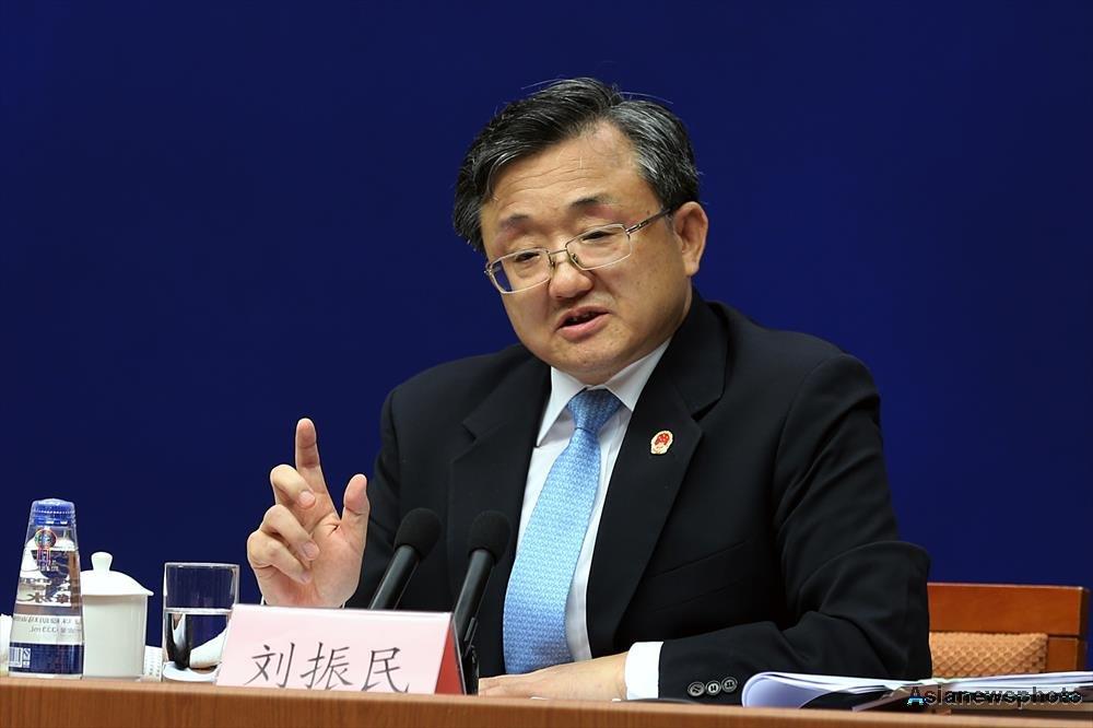 """Próxima administração norte-americana, de Donald Trump, deve continuar apoiando o histórico Acordo de Paris sobre mudança climática para evitar que se repita o que aconteceu com o Protocolo de Kyoto, disse o vice-ministro chinês das Relações Exteriores, Liu Zhenmin; Liu disse que os EUA desempenharam um papel """"extremamente importante"""" nas negociações do Acordo de Paris, que substituirá em 2020 o Protocolo de Kyoto para guiar a cooperação global no combate à mudança climática"""