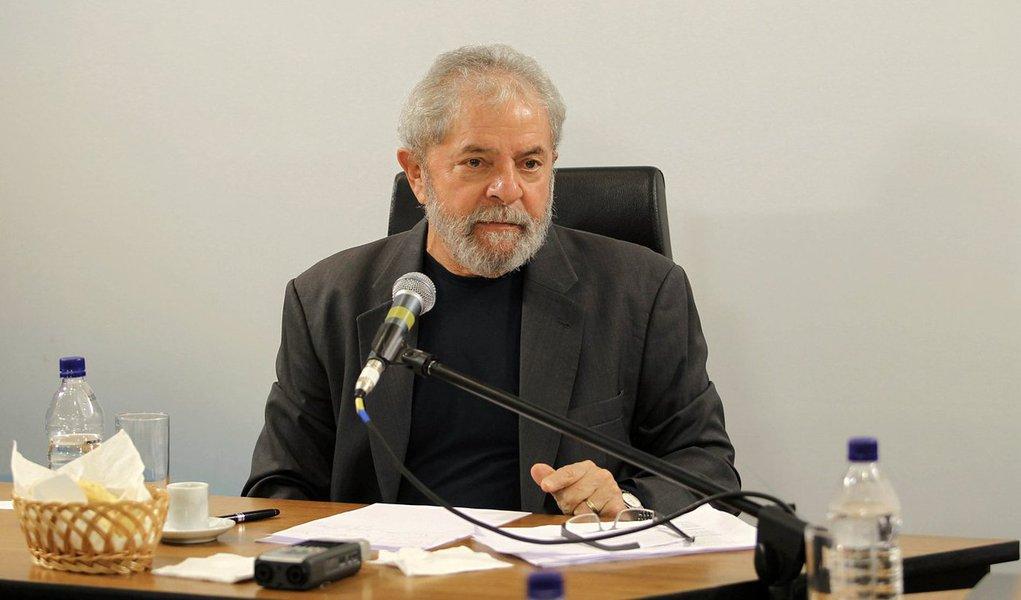 Recado implícito e explicito de Lula é que quer esquecer 2015. E que quer tanto um governo mais ativo no debate político como um PT mais organizado para os embates que virão. Lula desenhou uma estratégia para 2016